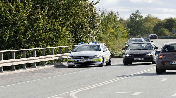 سيارة شرطة على طريق سريع في الدنمرك يوم الجمعة