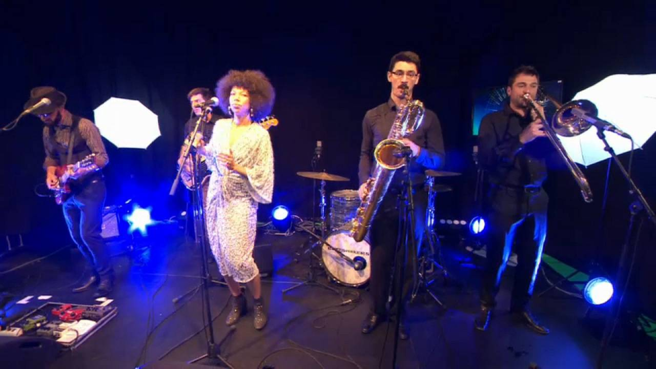 """""""The Buttshakers"""" : Ciara Thompson, une chanteuse engagée"""