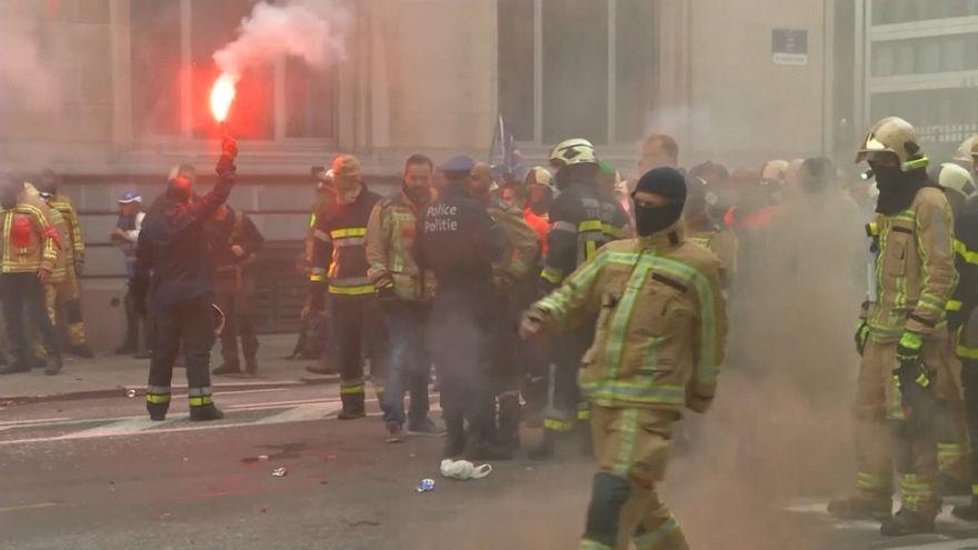 Brüksel'de memur protestosuna polisten tazyikli su ve gözyaşartıcı gazla müdahale
