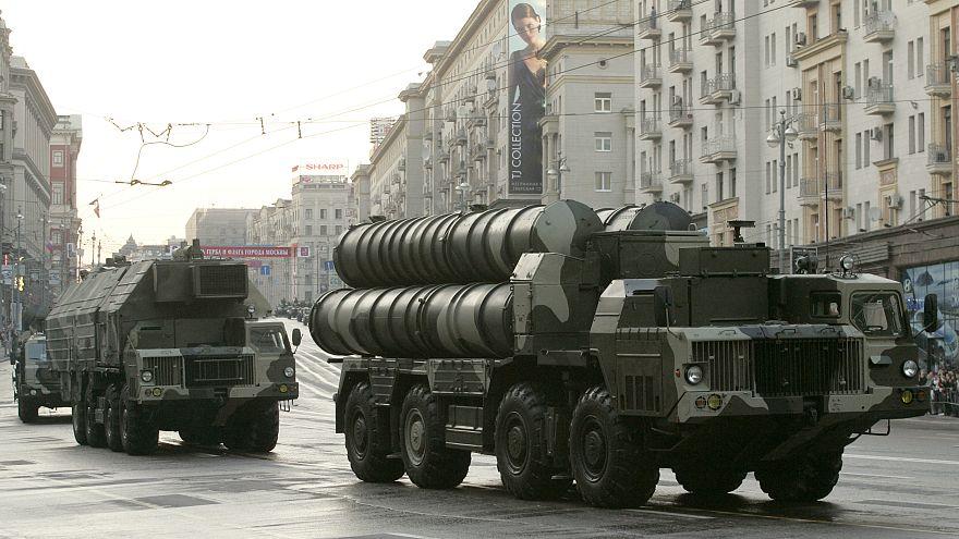 لافروف: تسليم منظومة إس-300 لدمشق بدأ ونحذر الدول الغربية من تقويض جهود السلام