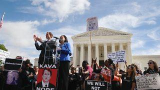 Republicanos aceitam investigação do FBI sobre Kavanaugh