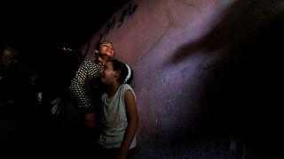 Scontri a Gaza, vittime palestinesi: 2 minori e centinaia di feriti