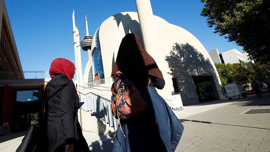 Allemagne : Erdogan inaugure une mosquée controversée