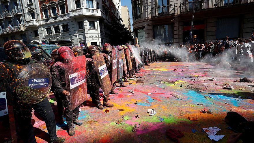 Confrontos regressam ao centro de Barcelona