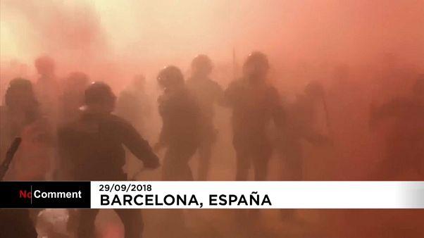 Enfrentamientos entre independentistas y mossos d'esquadra en Barcelona