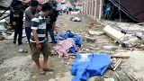 فيديو: مشاهد الدمار الكارثي وموجات تسونامي تجتاح جزيرة سولاويسي في إندونيسيا