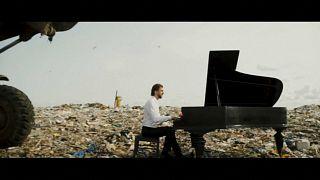 احیای «نفس سیاره» با نوازندگی پیانو در زبالهدانی