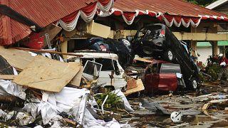 Endonezya: Deprem ve tsunaminin ardından ölü sayısı 832'ye ulaştı