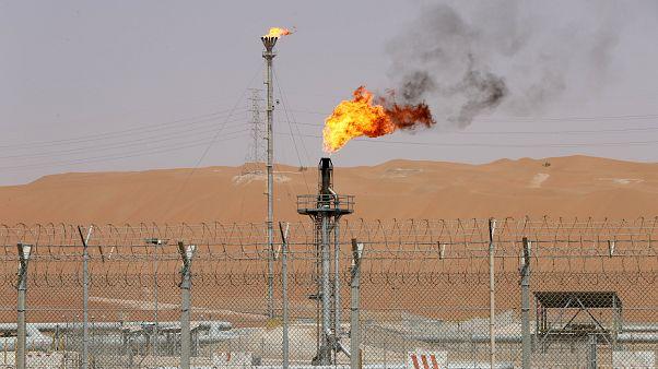 صزرو لحقل الشيبة النفطي في صحراء الربع الخالي في السعودية