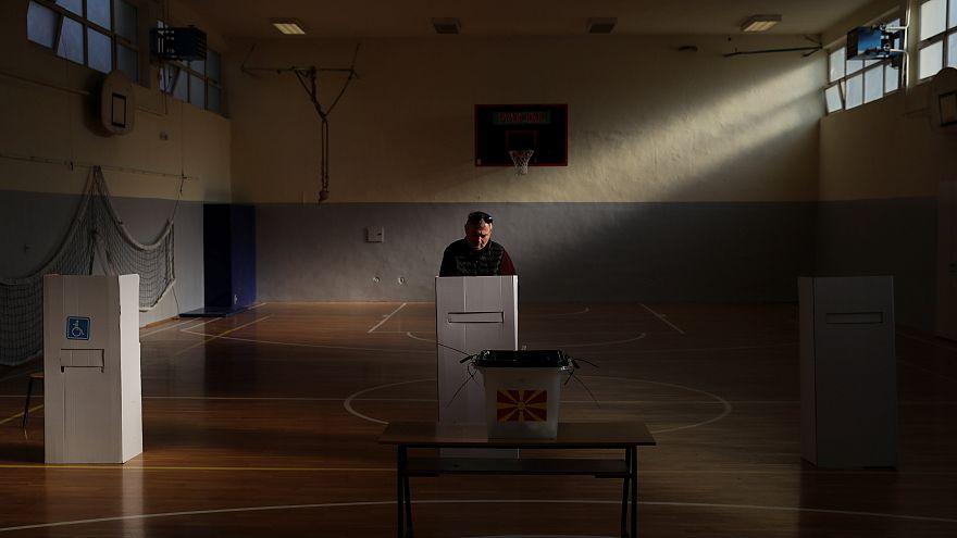Fraca afluência às urnas no referendo macedónio