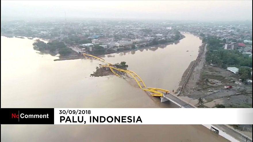 زلزله و سونامی در اندونزی؛ ویرانی گسترده مناطق مسکونی از چشم یک پهباد