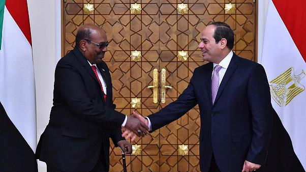 البشير: لدينا وثائق تثبت سودانية منطقة حلايب