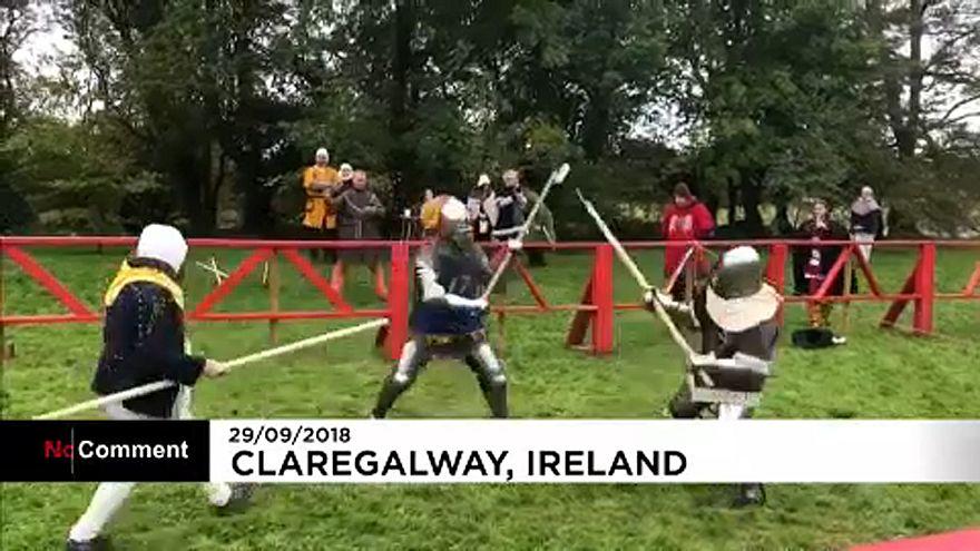 Irlanda, combattimenti medievali nel castello di Claregalway