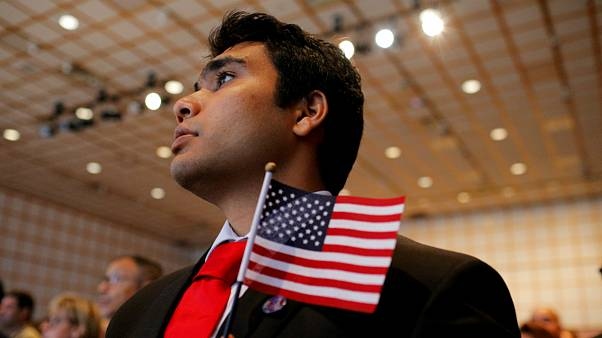 ادای سوگند شهروند هندی برای کسب ملیت آمریکایی
