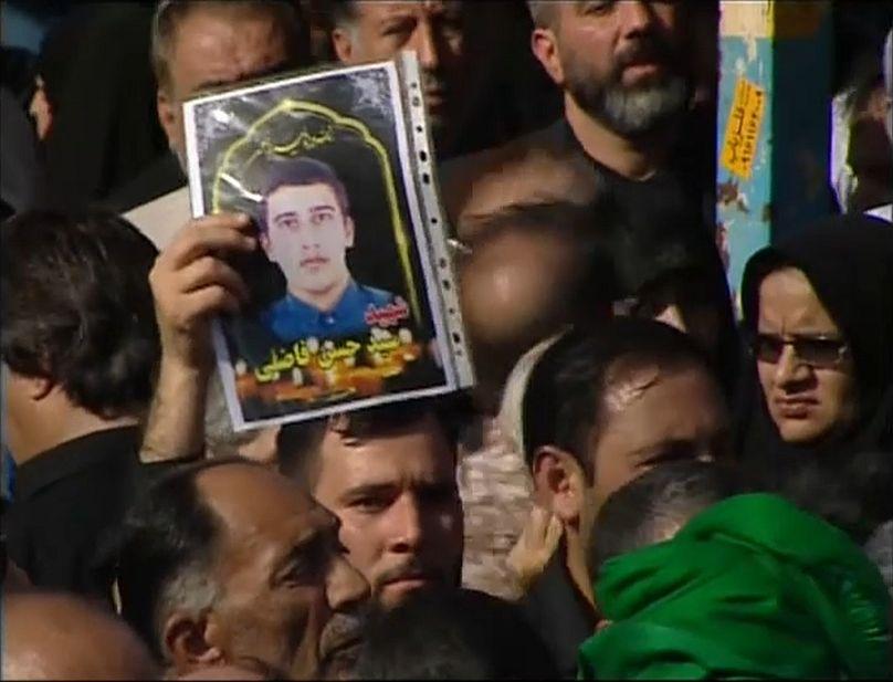 Iranische Revolutionsgarden feuern Raketen auf Syrien ab