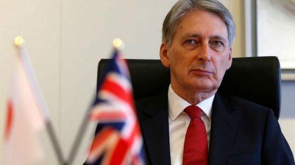 İngiltere Finans Bakanı Hammond: Anlaşmasız Brexit'i kaldırabilecek kapasitedeyiz