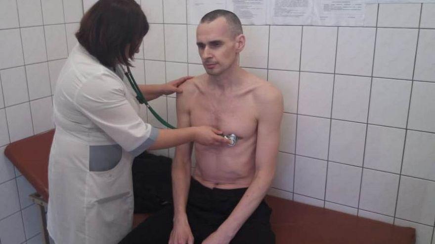 Олег Сенцов прекращает голодовку