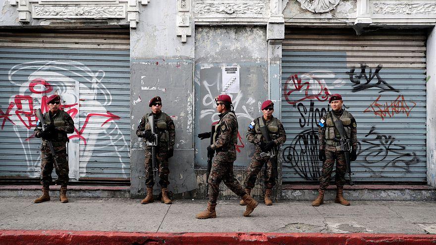 Guatemala'da mahkumların kavgası isyana dönüştü: 7 ölü, 25 yaralı