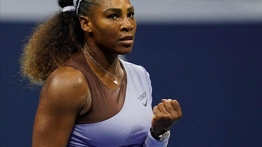 VİDEO | Serena Williams meme kanserine dikkat çekmek için soyundu
