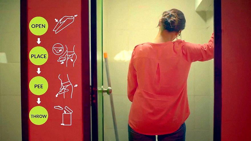 Hindistan'da kadınlar da umumi tuvaletlerde pisuvar kullanabilecek