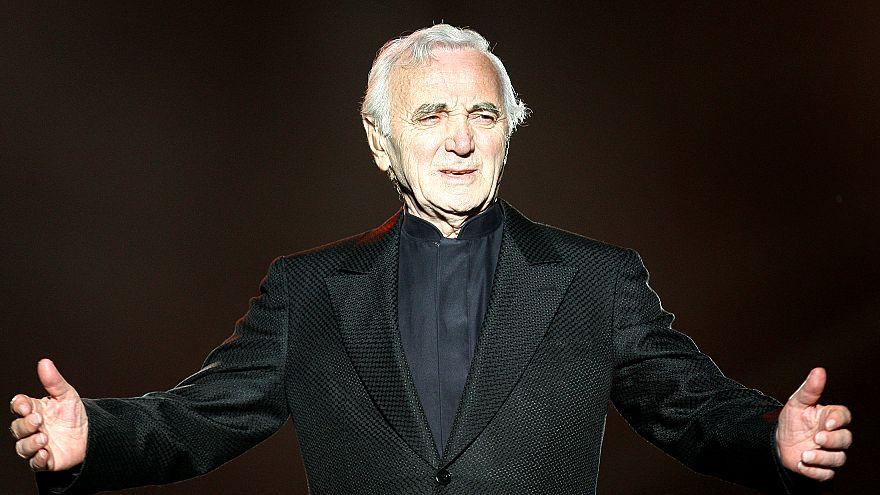 Dünyaca ünlü Fransız şarkıcı Charles Aznavour hayatını kaybetti