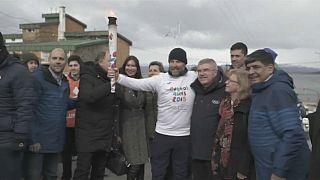 La antorcha olímpica alumbra 'el fin del mundo'