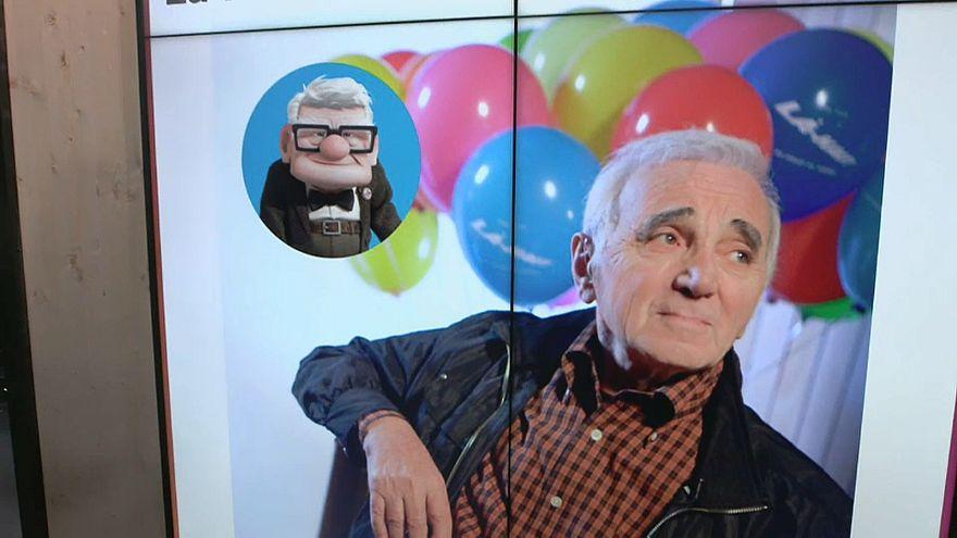 Les hommages au monument Aznavour