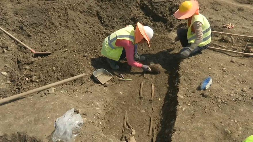 Arnavutluk'ta doğalgaz hattı inşaatı esnasında 5 bin yıllık bir site keşfedildi