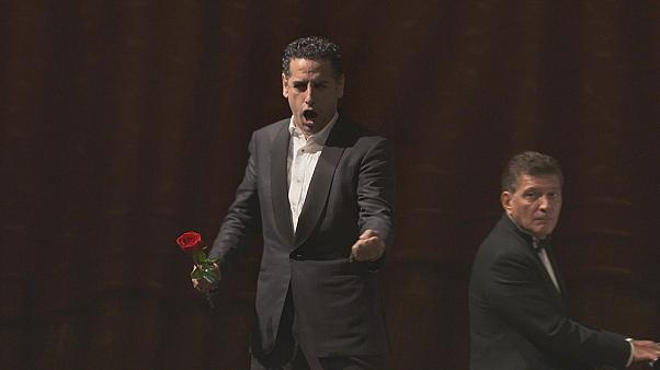 Juan Diego Flórez getta la maschera