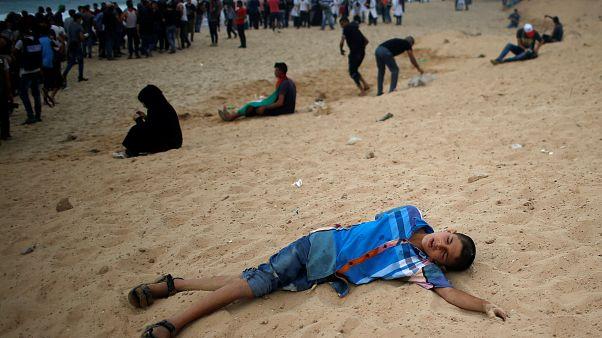شاهد: إصابة العشرات من الفلسطينيين برصاص البحرية الإسرائيلية