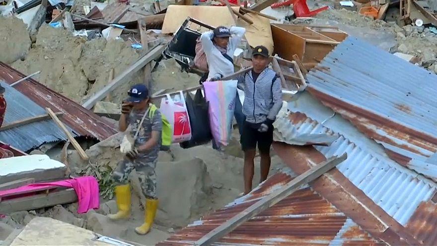 Mehr als 1200 Tote bei Tsunami-Katastrophe in Indonesien