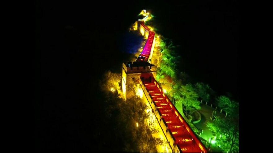 شاهد: ساحات ومعالم وأبنية الصين تتلألأ في عيدها الوطني