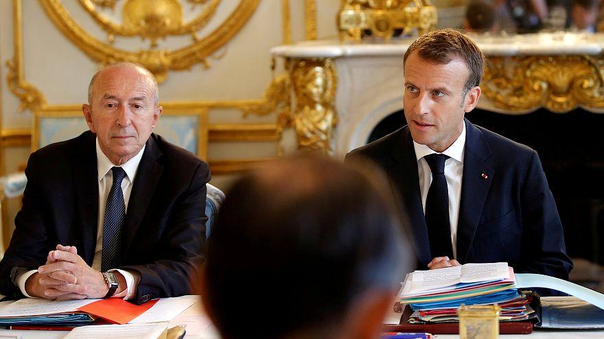 Fransa Cumhurbaşkanı Macron İçişleri Bakanı'nın istifasını kabul etmedi