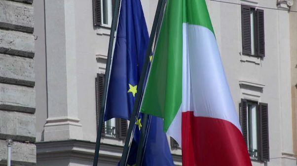 """Ue-Italia: nuovo scontro sui conti. Juncker: """"Bisogna essere rigidi"""""""