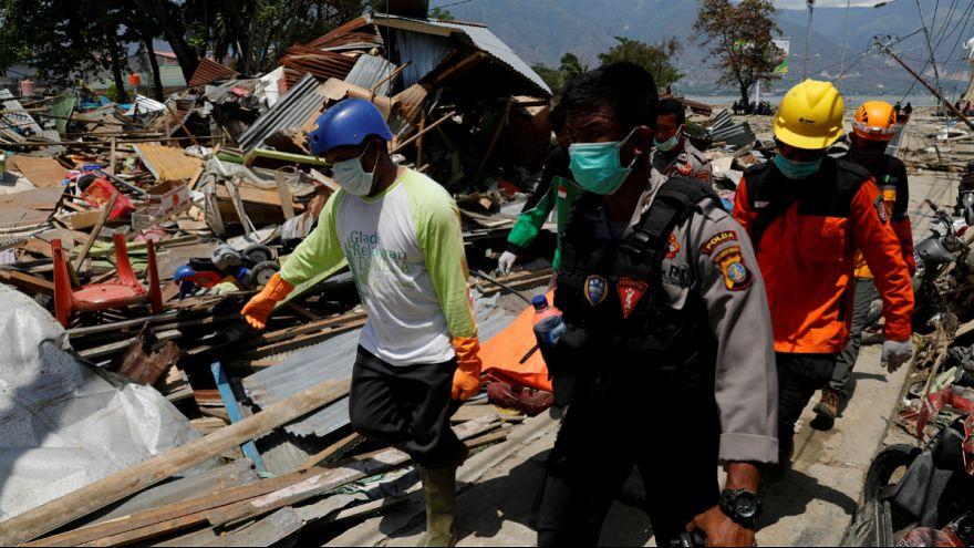 زمین لرزه اندونزی؛ بحران در امداد رسانی و احتمال افزایش شمار قربانیان