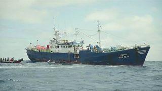 Un barco español acusado de pesca ilegal de tiburones