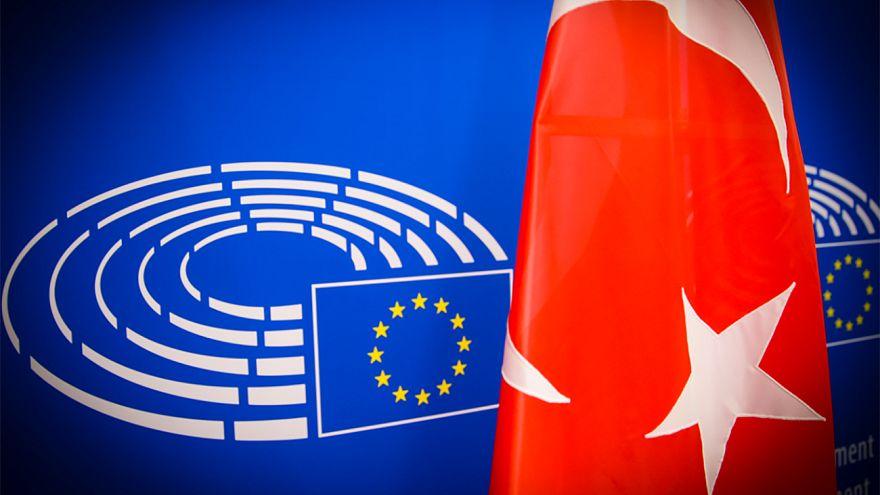 Τερματισμό της ενταξιακής πορείας της Τουρκίας ζητά το Ευρωκοινοβούλιο