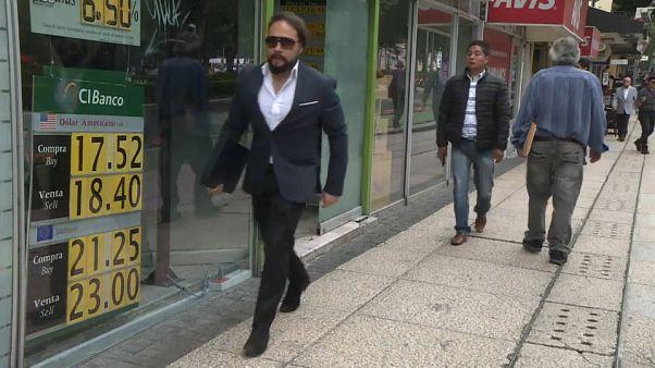 Los mexicanos acogen con prudencia el USMCA