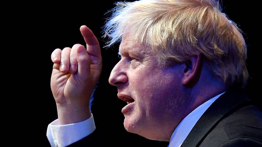 Brexit: Boris Johnson pressiona Theresa May