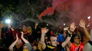 Krawalle in Barcelona - Separatisten lassen Demonstration eskalieren