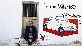 """Arrestado alcalde italiano, elogiado por políticas de integración, por ayudar """"inmigración ilegal"""""""