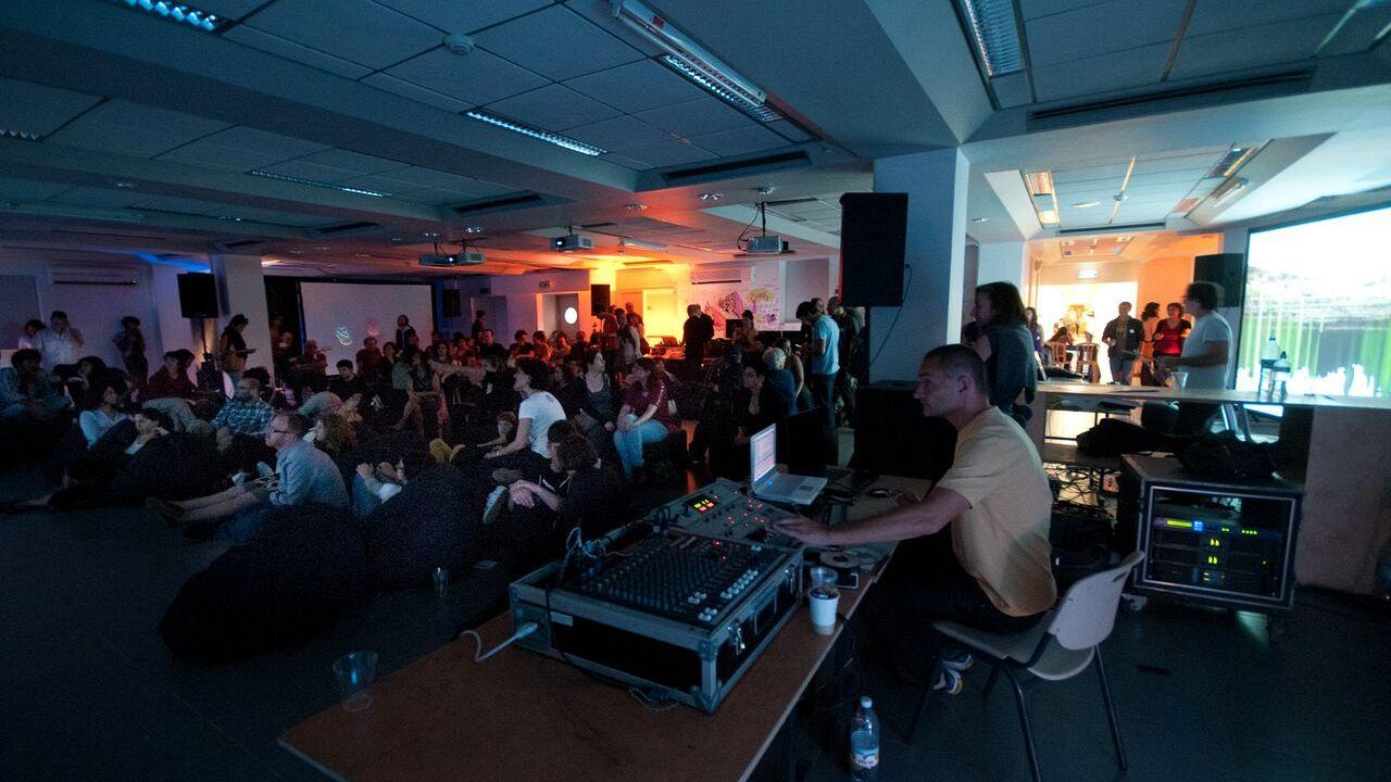 Dissolving Localities: Η Αθήνα εμπνέει τέσσερις καλλιτέχνες
