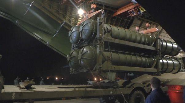 نظام S-300 الصاروخي الروسي يصل إلى سوريا - وزارة الدفاع الروسية