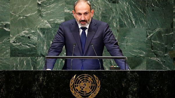 Ermenistan Parlamentosu erken seçimi engelledi; Başbakan Paşinyan istifa kararı aldı