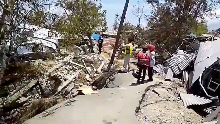 Sismo e tsunami: Balanço de vítimas ultrapassa os 1400 mortos