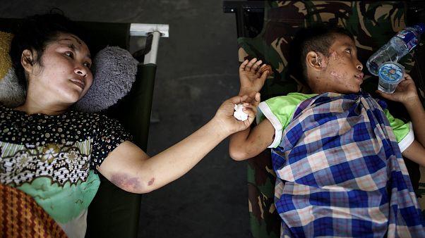 Egyre fogy a túlélők esélye Indonéziában