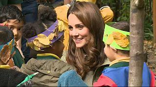 أول ظهور لدوقة كامبريدج بعد عطلة الأمومة وجولة في الطبيعة مع الأطفال