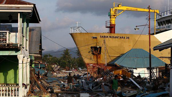 Ajuda internacional começa a chegar a Celebes