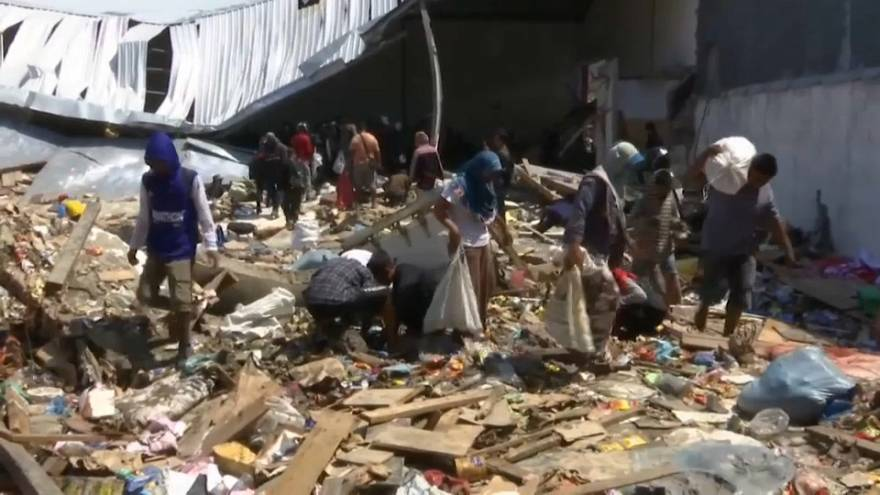 Las ayudas van llegando poco a poco a Indonesia