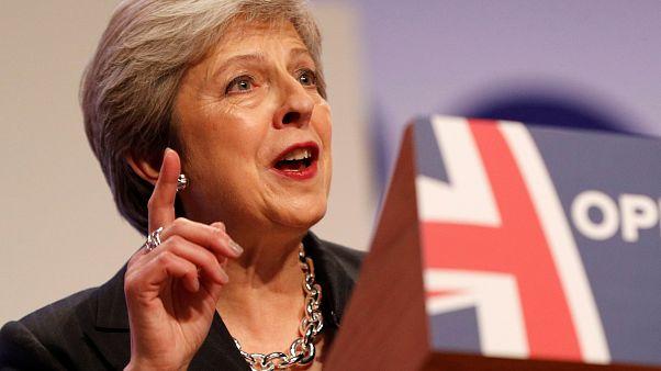 Theresa May quer o apoio dos conservadores